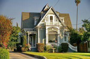 Redlands Historic Home Decorating